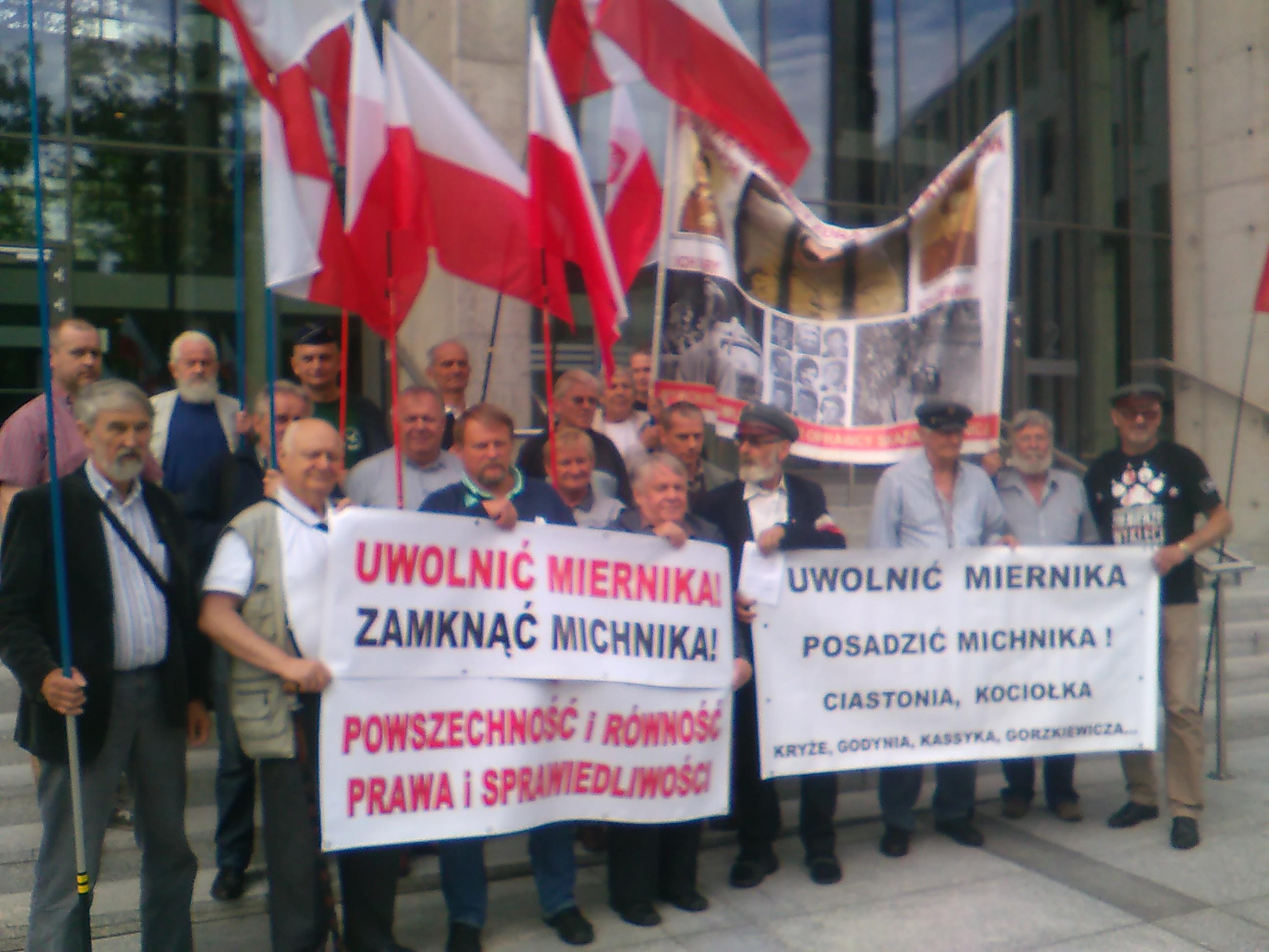"""""""Uwolnić Miernika – Wsadzić Michnika"""""""