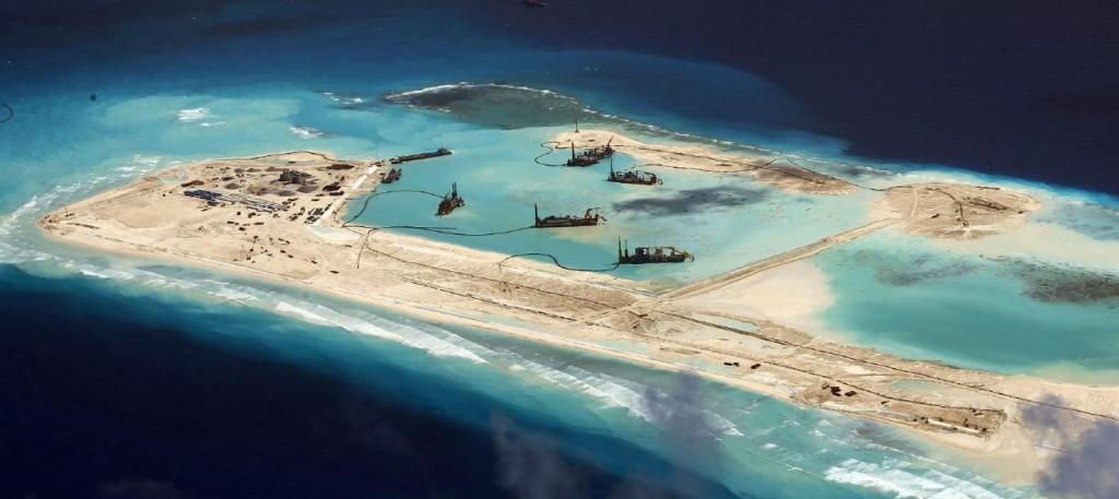 Budowa sztucznej wyspy przez Chińczyków