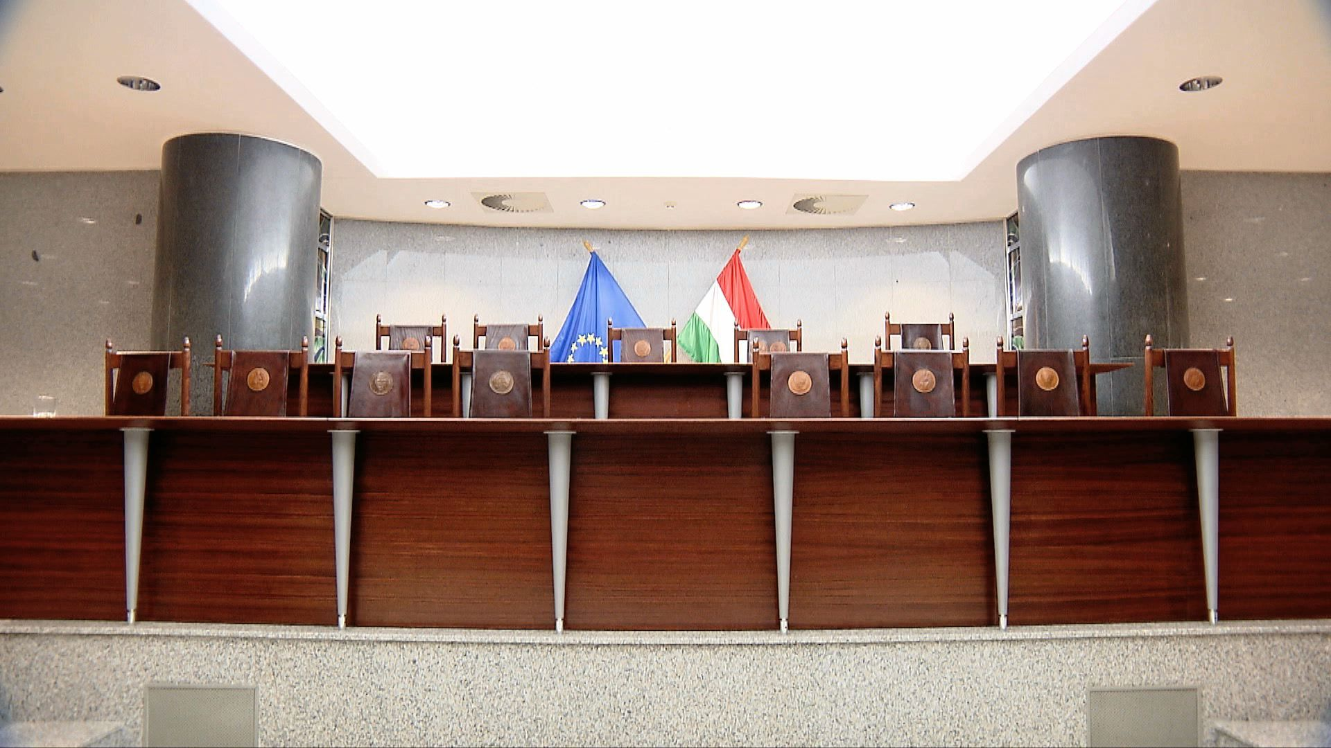 Węgrzy kontra sądokracja