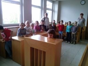 dzieci w sądzie