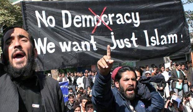 Dżihadyści, separatyści, ultralewica –  Róża Thun nie przyznaje się do klęski