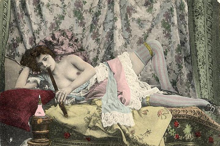 palaczka-opium-pocztówka-z-XIX-wieku