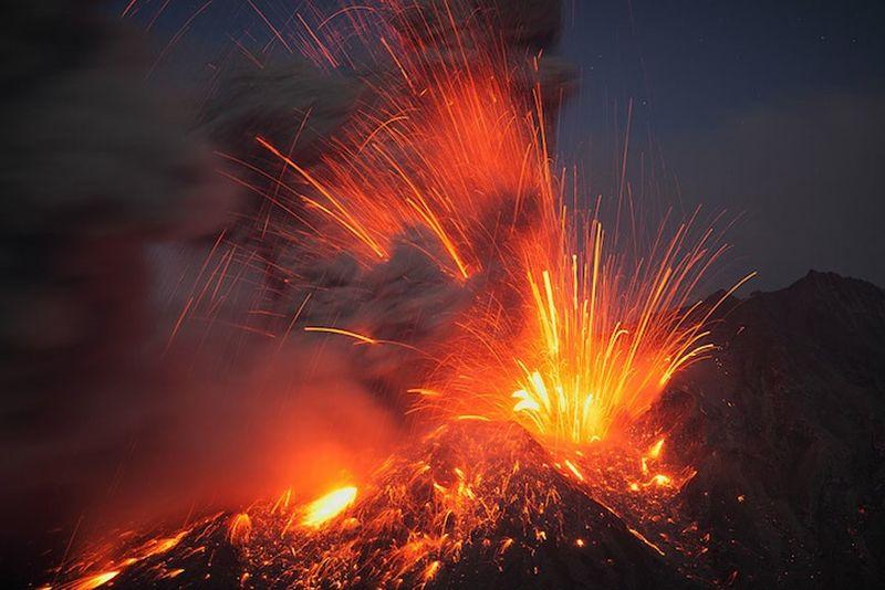 Piekło na Ziemi: złowieszcze erupcje wulkanów, potężne meteoryty