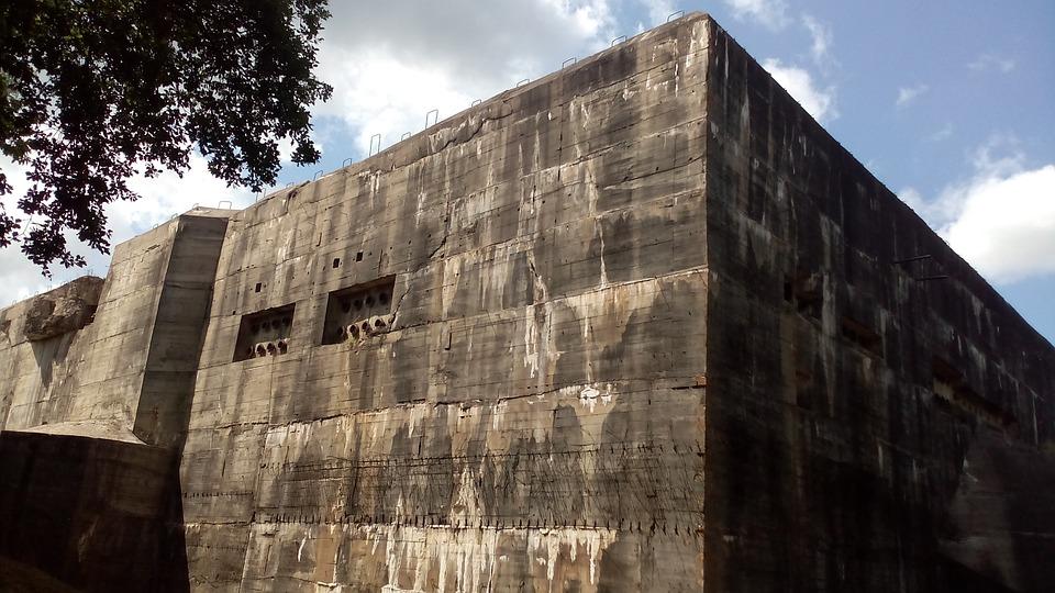 bunker-921780_960_720