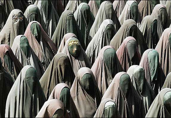 burka_graduation1