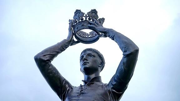 Hipsterzy a nie monarchiści