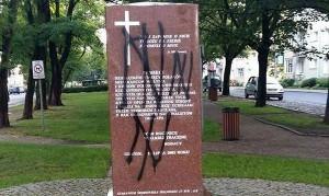 Dewastacja pomnika w Gdańsku
