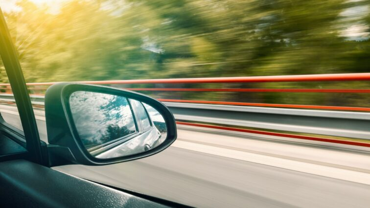 Czy młody kierowca płaci więcej za ubezpieczenie samochodu?