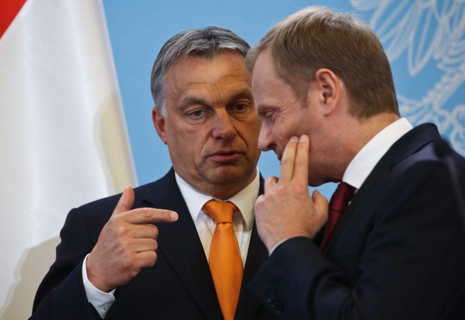 Orban oszukuje Polskę.