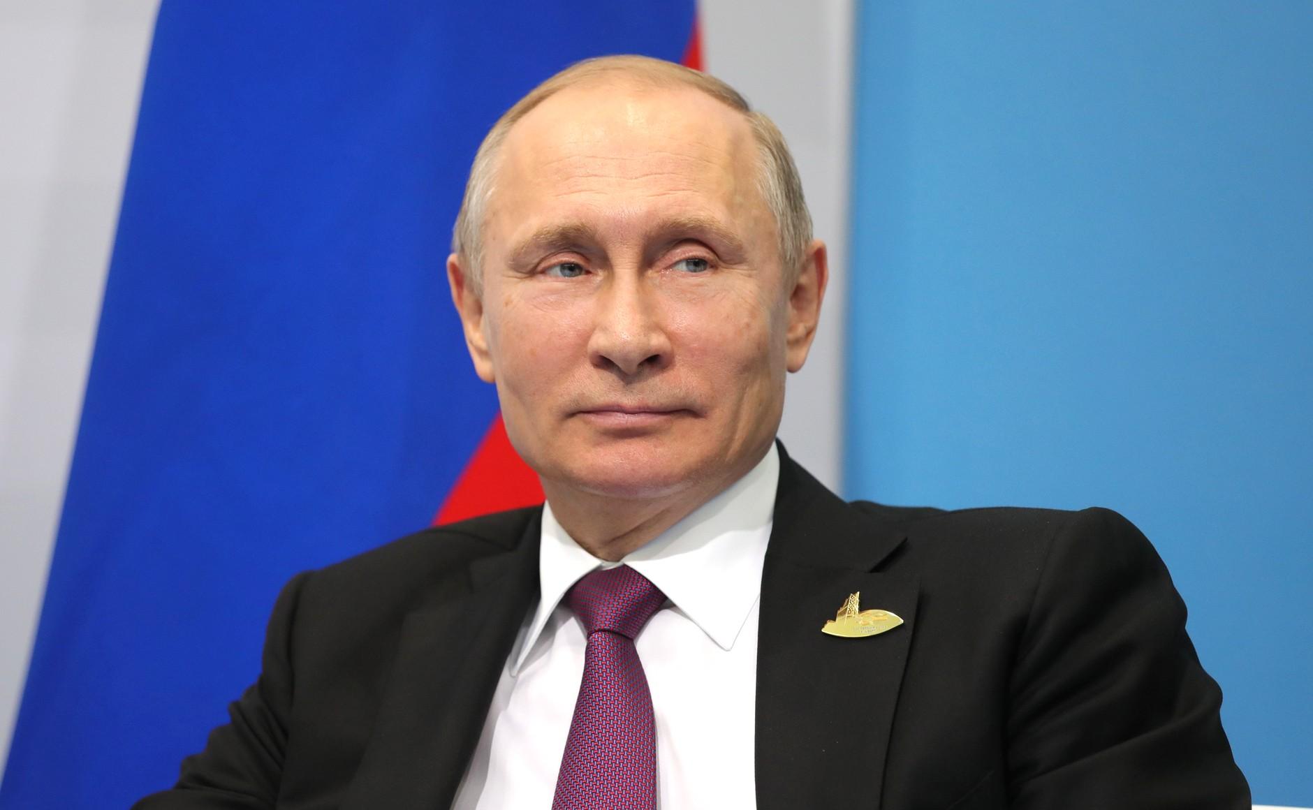 Dwa przedstawienia, jeden reżyser – Putin