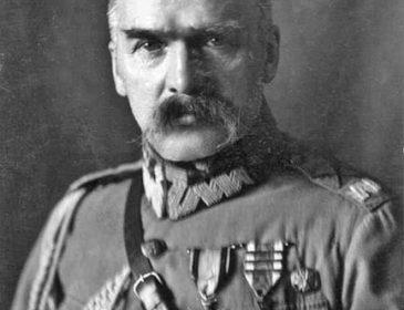 """""""Kolesie"""" Piłsudskiego"""