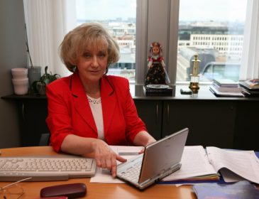 Profesor Grabowska: traktaty unijne nie dają TSUE kompetencji