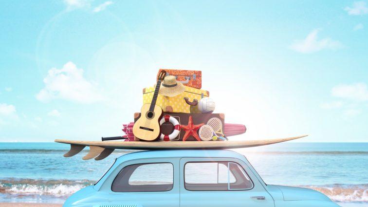 Szybkie wakacje na koniec lata. Dokąd warto pojechać i jak sfinansować wyjazd?