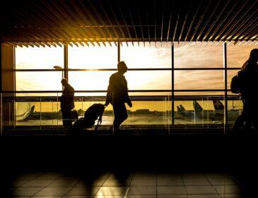 Ubezpieczenie na wakacje dla rodzin – co powinna zawierać polisa na wyjazd z dziećmi?