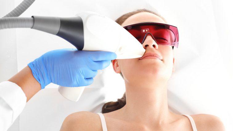 Depilacja laserowa – o czym warto wiedzieć?