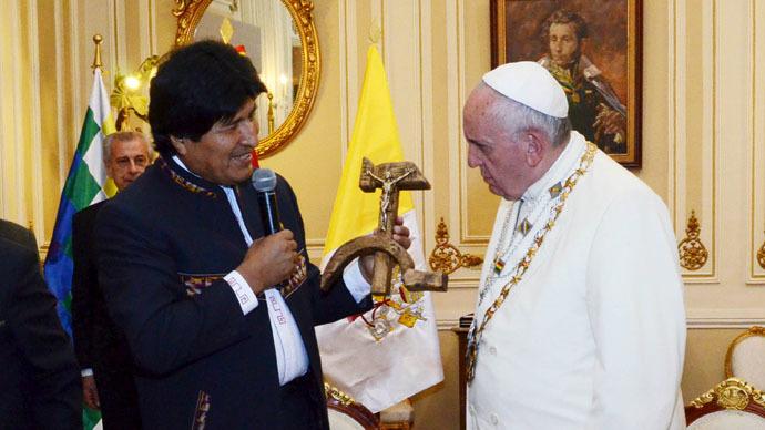 Według Watykanu komunistyczne Chiny są wzorcem państwa katolickiego.
