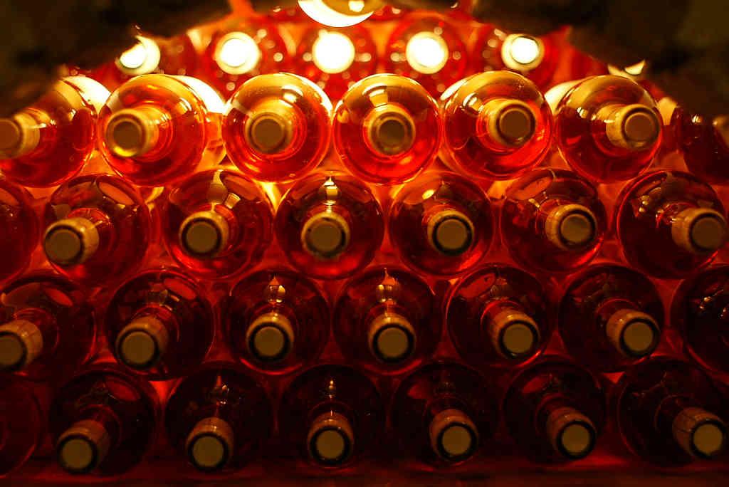 Już wiadomo dlaczego Tusk kupił dla Unistów 4 tys. flaszek alkoholu