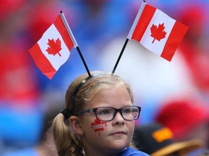 Kanada zmienia hymn aby tekst uczynić bezpłciowym.