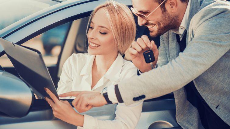 Jak wypożyczyć samochód? Poznaj rady i opinie specjalistów z Carfree