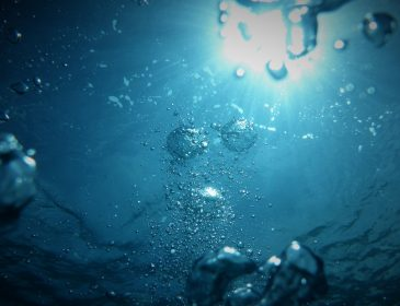 Jak oszczędzać wodę? Sprawdzone sposoby według Łazienki Plus