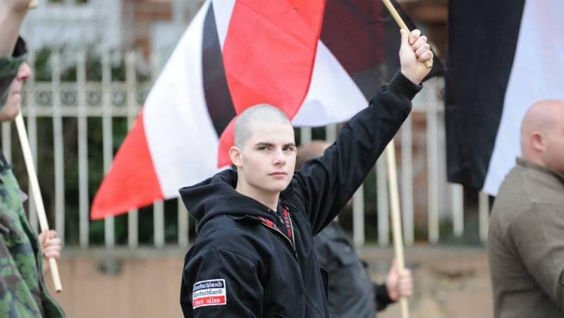 neonaziscipatrolujaulice w Finlandii