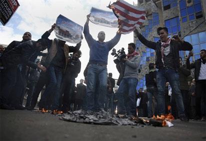 Faszyści w Niemczech palą Izraelskie flagi. Kiedy rezolucja Parlamentu EU?