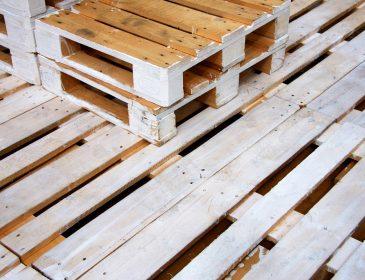 Akcesoria do paletyzacji – zabezpieczenie towarów na paletach