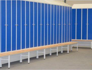 Metalowe meble – idealna propozycja do przestrzeni użyteczności publicznej i placówek
