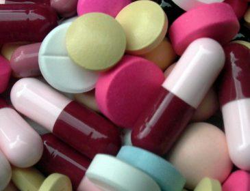 Dawka antybiotyków zmienia mikrobiom nawet na rok