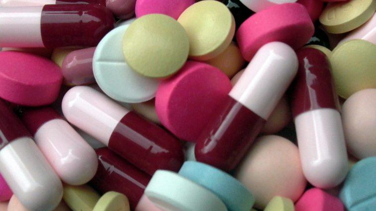 Kwitnie nielegalny wywóz leków