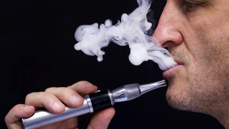 Kolejne badania niekorzystne dla e-papierosów