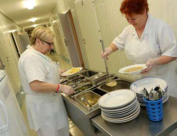 Gdzie kucharek sześć, tam pacjenci głodni