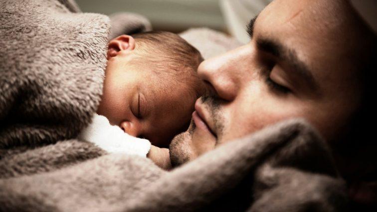 Niedobór snu prowadzi do zmian w mikrobiomie
